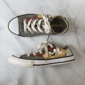 Converse x Looney Tunes low tops